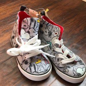 Gap + Peanuts hightop sneakers NWT size 8